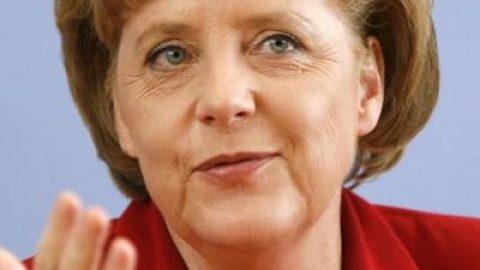 Merkel emlékezteti Európát az aranyszabályra